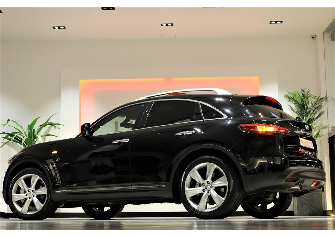 infiniti qx70 s premium 320cv luxury motor. Black Bedroom Furniture Sets. Home Design Ideas