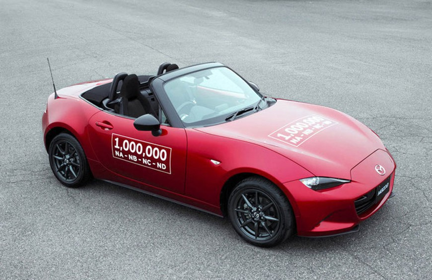 The Mazda MX-5 has never stopped liking us: there are already a million manufactured units